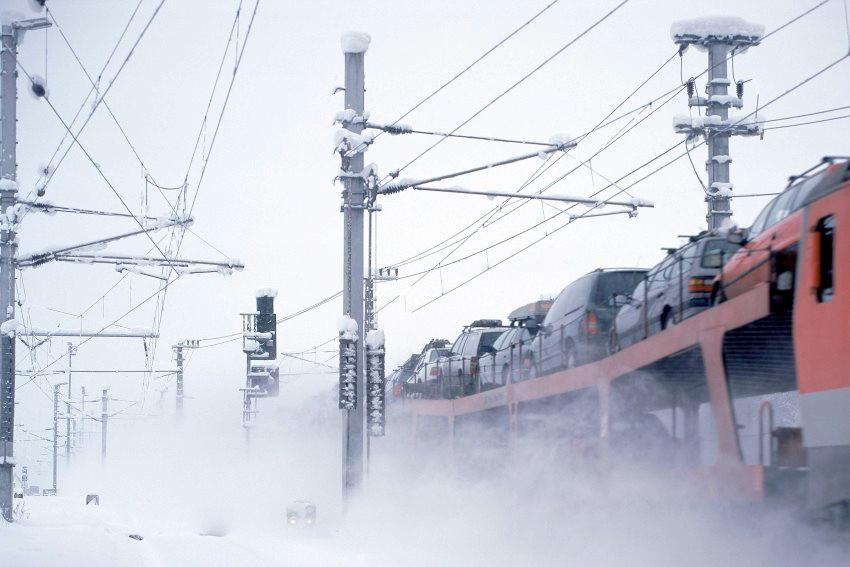 Train in blowing snow